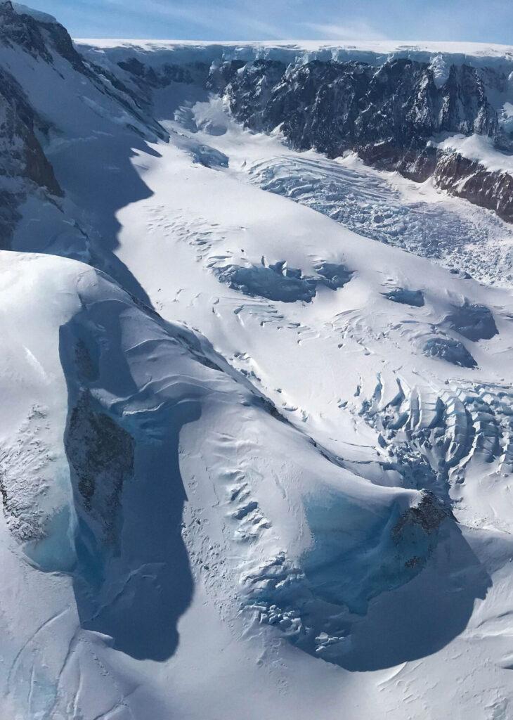 Snowy dunes of the Larsen C